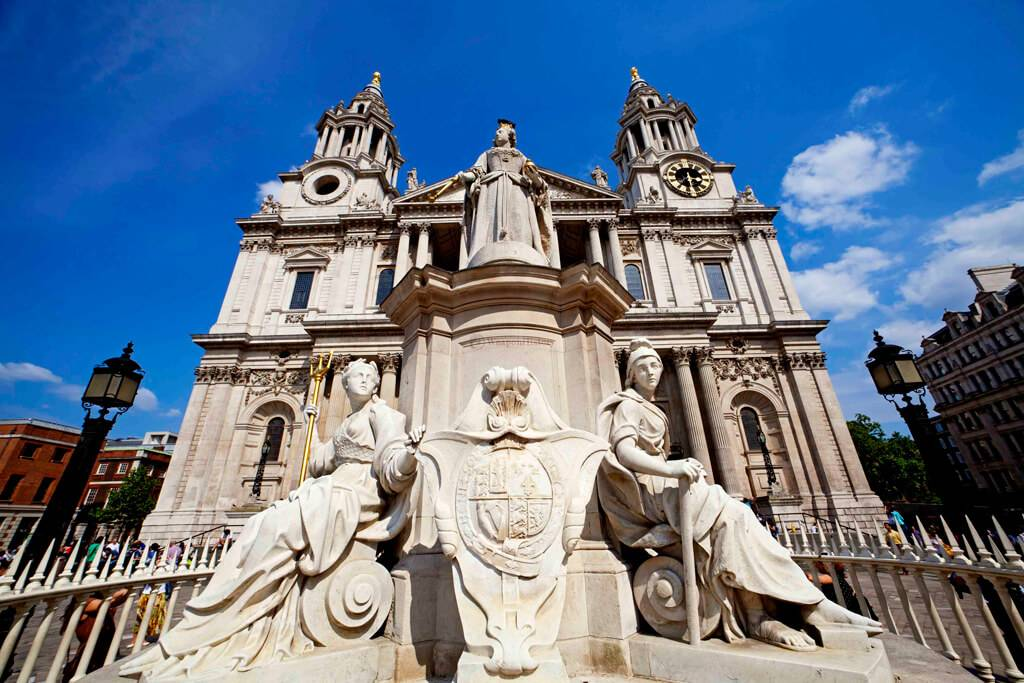 St.-Pauls-Cathedral-in-London5.jpg